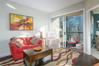 """Photo 1: 305 131 W 3RD Street in North Vancouver: Lower Lonsdale Condo for sale in """"Seascape Landing"""" : MLS®# R2526409"""