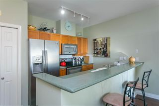 """Photo 3: 305 131 W 3RD Street in North Vancouver: Lower Lonsdale Condo for sale in """"Seascape Landing"""" : MLS®# R2526409"""