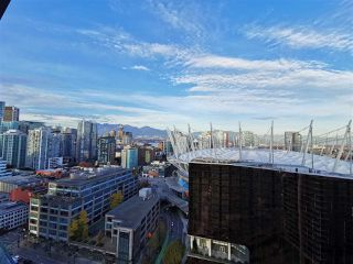 Photo 5: 2406 89 NELSON STREET in Vancouver: Yaletown Condo for sale (Vancouver West)  : MLS®# R2415398