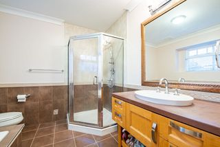 Photo 13: 1518 WESTOVER Road in North Vancouver: Lynn Valley House for sale : MLS®# R2427187