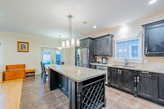Photo 3: 1518 WESTOVER Road in North Vancouver: Lynn Valley House for sale : MLS®# R2427187