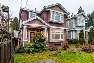 Photo 2: 1518 WESTOVER Road in North Vancouver: Lynn Valley House for sale : MLS®# R2427187