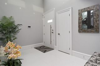 Photo 2: 862 HABGOOD Street: White Rock House for sale (South Surrey White Rock)  : MLS®# R2460741