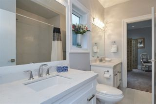 Photo 16: 862 HABGOOD Street: White Rock House for sale (South Surrey White Rock)  : MLS®# R2460741