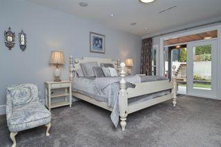 Photo 12: 862 HABGOOD Street: White Rock House for sale (South Surrey White Rock)  : MLS®# R2460741