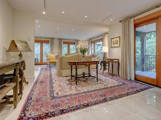 Photo 5: 3050 Beach Dr in Oak Bay: OB Uplands House for sale : MLS®# 842536