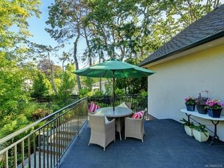 Photo 11: 3050 Beach Dr in Oak Bay: OB Uplands House for sale : MLS®# 842536