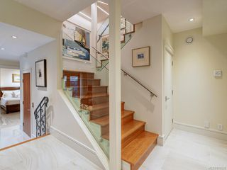 Photo 28: 3050 Beach Dr in Oak Bay: OB Uplands House for sale : MLS®# 842536