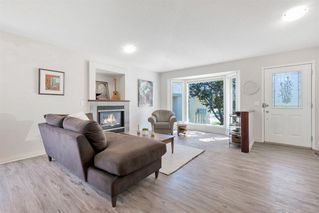 Photo 6: 42 200 SANDSTONE Drive NW in Calgary: Sandstone Valley Row/Townhouse for sale : MLS®# A1027808
