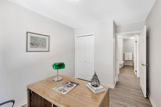 Photo 18: 42 200 SANDSTONE Drive NW in Calgary: Sandstone Valley Row/Townhouse for sale : MLS®# A1027808