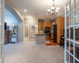 "Photo 3: 306 33485 SOUTH FRASER Way in Abbotsford: Central Abbotsford Condo for sale in ""CITADEL RIDGE"" : MLS®# R2496142"