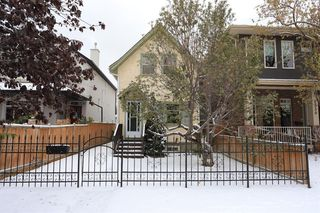 Main Photo: 2332 3 Avenue NW in Calgary: West Hillhurst Detached for sale : MLS®# A1044695