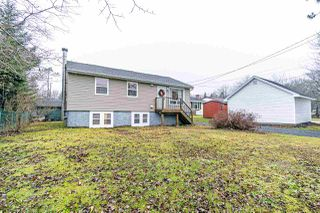 Photo 2: 2364 St Margarets Bay Road in Timberlea: 40-Timberlea, Prospect, St. Margaret`S Bay Residential for sale (Halifax-Dartmouth)  : MLS®# 202100041