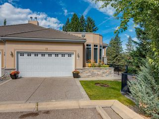 Photo 1: 5 2121 98 Avenue SW in Calgary: Palliser Semi Detached for sale : MLS®# C4258890