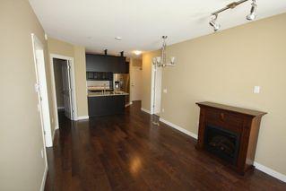 Photo 2: 314 12565 190A Street in Pitt Meadows: Mid Meadows Condo for sale : MLS®# R2403712