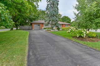 Photo 1: 39 Maple Avenue in Flamborough: House for sale : MLS®# H4063672