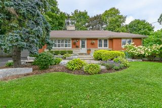 Photo 3: 39 Maple Avenue in Flamborough: House for sale : MLS®# H4063672