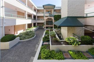 """Photo 15: 106 7300 GILBERT Road in Richmond: Brighouse South Condo for sale in """"MONTERREY PARK"""" : MLS®# R2426268"""
