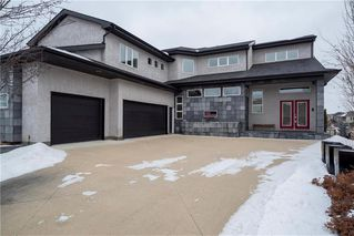 Photo 1: 49 Waterton Drive in Winnipeg: Royalwood Residential for sale (2J)  : MLS®# 202005387