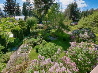 Photo 2: 5682 RUTHERFORD Road in Halfmoon Bay: Halfmn Bay Secret Cv Redroofs House for sale (Sunshine Coast)  : MLS®# R2457990