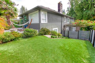"Photo 3: 1193 W 23RD Street in North Vancouver: Pemberton Heights House for sale in ""PEMBERTON HEIGHTS"" : MLS®# R2489592"