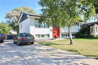 Photo 2: 26 Honeywood Street in Winnipeg: North Kildonan Residential for sale (3F)  : MLS®# 1923459