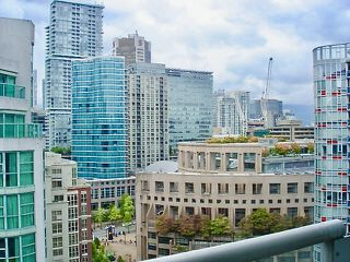 "Photo 1: 1801 821 CAMBIE Street in Vancouver: Downtown VW Condo for sale in ""Raffles"" (Vancouver West)  : MLS®# R2404874"
