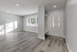 Photo 2: 12412 136 Avenue in Edmonton: Zone 01 House for sale : MLS®# E4190060