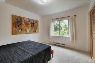 Photo 10: 919 Empress Avenue in VICTORIA: Vi Central Park Single Family Detached for sale (Victoria)  : MLS®# 426936