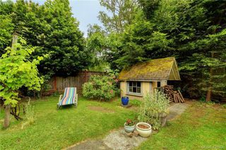 Photo 18: 919 Empress Avenue in VICTORIA: Vi Central Park Single Family Detached for sale (Victoria)  : MLS®# 426936