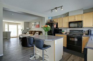 Photo 4: 240 MCKENZIE TOWNE Link SE in Calgary: McKenzie Towne Row/Townhouse for sale : MLS®# A1017413