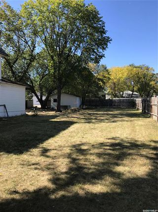 Photo 5: 135 F Avenue North in Saskatoon: Caswell Hill Residential for sale : MLS®# SK828586
