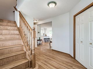 Photo 3: 50 Arbour Crest Way NW in Calgary: Arbour Lake Detached for sale : MLS®# A1039897