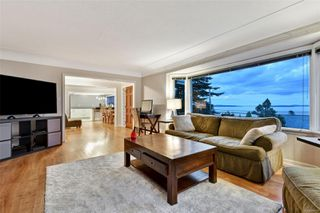 Photo 5: 5036 Lochside Dr in : SE Cordova Bay House for sale (Saanich East)  : MLS®# 858478