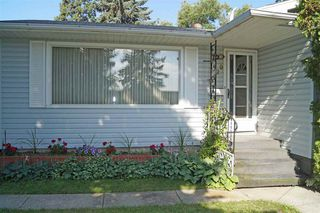 Photo 3: 9420 73 Street in Edmonton: Zone 18 House for sale : MLS®# E4168249