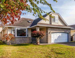 Photo 2: 12092 CHESTNUT Crescent in Pitt Meadows: Mid Meadows House for sale : MLS®# R2412110