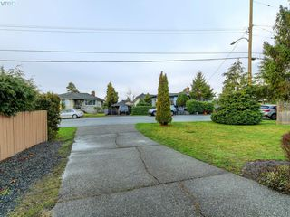 Photo 21: 536 Kenneth Street in VICTORIA: SW Glanford Single Family Detached for sale (Saanich West)  : MLS®# 420291