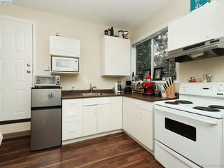Photo 15: 536 Kenneth Street in VICTORIA: SW Glanford Single Family Detached for sale (Saanich West)  : MLS®# 420291