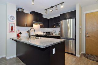 "Photo 7: 207 3050 DAYANEE SPRINGS Boulevard in Coquitlam: Westwood Plateau Condo for sale in ""BRIDGES"" : MLS®# R2444920"