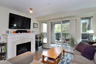 "Photo 2: 207 3050 DAYANEE SPRINGS Boulevard in Coquitlam: Westwood Plateau Condo for sale in ""BRIDGES"" : MLS®# R2444920"