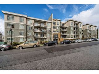 "Main Photo: 424 13789 107A Avenue in Surrey: Whalley Condo for sale in ""QUATTRO 2"" (North Surrey)  : MLS®# R2450496"