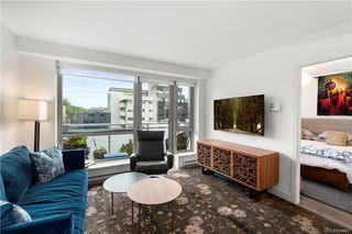 Photo 7: 410 838 Broughton St in Victoria: Vi Downtown Condo for sale : MLS®# 844093