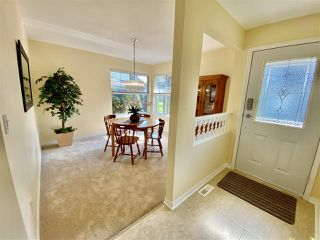 """Photo 4: 30 12165 75 Avenue in Surrey: West Newton Townhouse for sale in """"Strawberry Hill Estates"""" : MLS®# R2504132"""