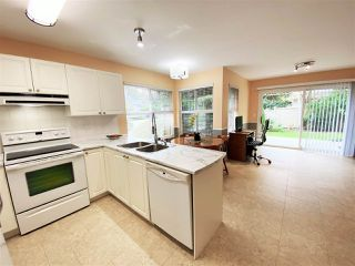 """Photo 7: 30 12165 75 Avenue in Surrey: West Newton Townhouse for sale in """"Strawberry Hill Estates"""" : MLS®# R2504132"""