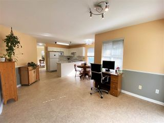 """Photo 11: 30 12165 75 Avenue in Surrey: West Newton Townhouse for sale in """"Strawberry Hill Estates"""" : MLS®# R2504132"""