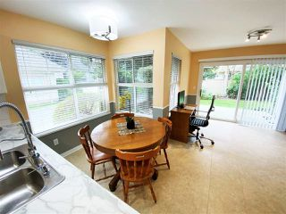 """Photo 6: 30 12165 75 Avenue in Surrey: West Newton Townhouse for sale in """"Strawberry Hill Estates"""" : MLS®# R2504132"""