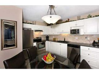 Photo 5: 108 15895 84 Ave in Surrey: Fleetwood Tynehead Home for sale ()  : MLS®# F1422946