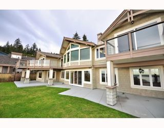 Photo 1: 1342 CAMRIDGE RD in West Vancouver: House for sale : MLS®# V804594