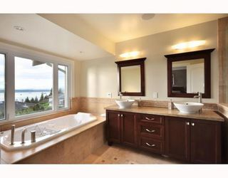 Photo 6: 1342 CAMRIDGE RD in West Vancouver: House for sale : MLS®# V804594