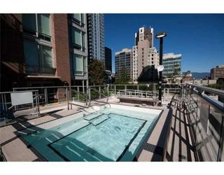 Photo 9: # 501 565 SMITHE ST in Vancouver: Condo for sale : MLS®# V853602